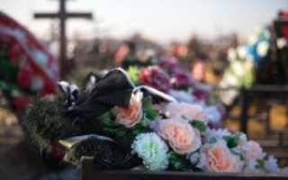 Почему нельзя плакать на кладбище: приметы и факты