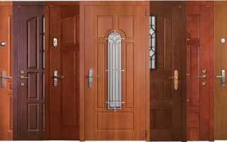 Двери деревянные уличные (в том числе для дачи): разновидности, устройство, комплектующие