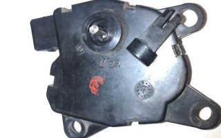 Моторедуктор печки ЛАДА Приора с кондиционером и без: как снять, где находится