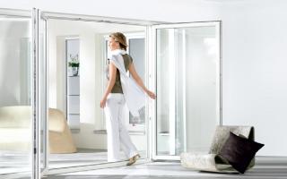 Металлопластиковые двери: входные, межкомнатные и их разновидности, комплектующие
