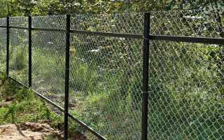 Забор из сетки рабицы своими руками – пошаговая инструкция с фото, схемами и видео