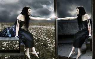 Почему нельзя смотреть в зеркало ночью