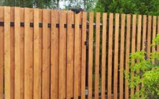 Как построить забор из дерева своими руками
